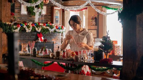 A Snow White Christmas (2018) Image