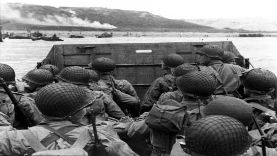 Shooting War (2000) Image
