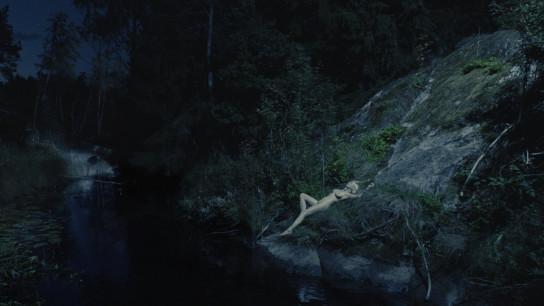 Melancholia (2011) Image