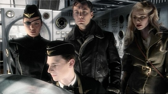 Sky Captain and the World of Tomorrow (2004) Image