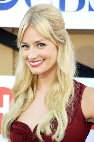Beth Behrs Image
