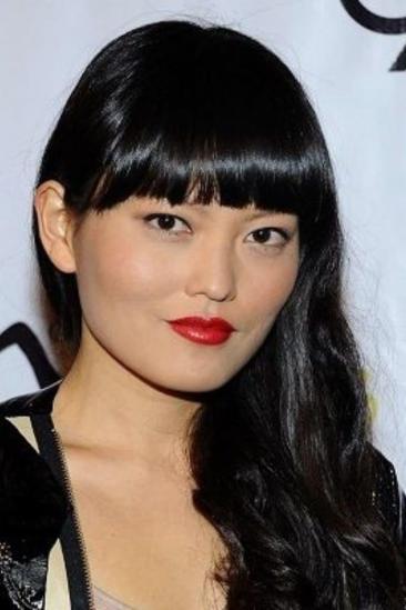 Hana Mae Lee Image