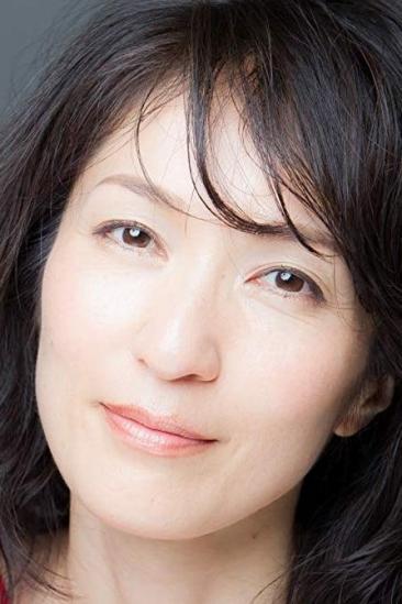 Akiko Iwase Image