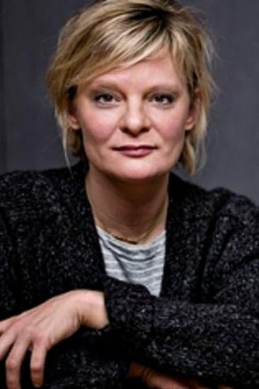Martha Plimpton Image
