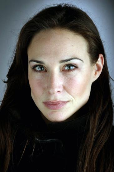 Claire Forlani Image