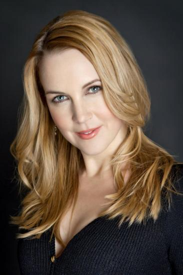 Renee O'Connor Image