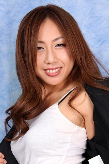 Maki Aoyama Image