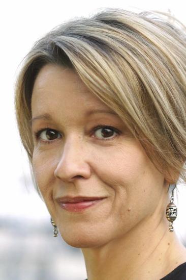 Linda Emond Image