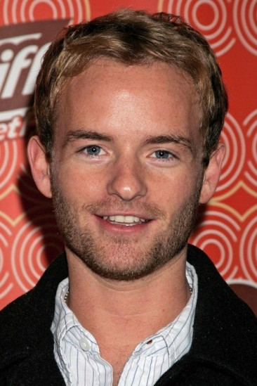 Christopher Masterson Image