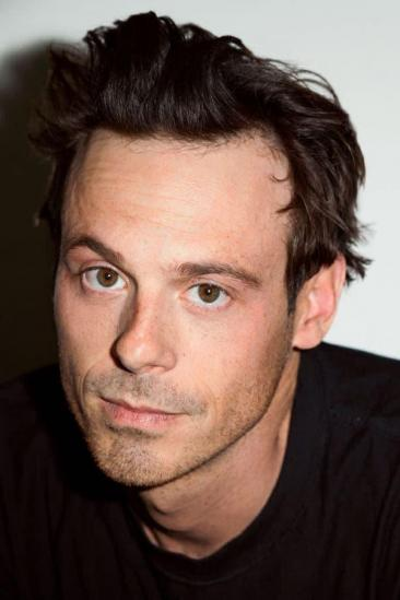 Scoot McNairy Image