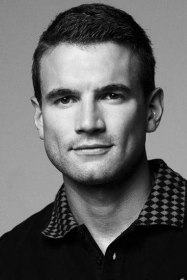 Alex Russell Image